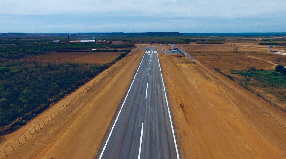 """""""É uma grande obra de desenvolvimento para a cidade de São João do Piauí.  Entregamos aqui o aeroporto seguindo o padrão de aviação regional. 2646e743749eb"""